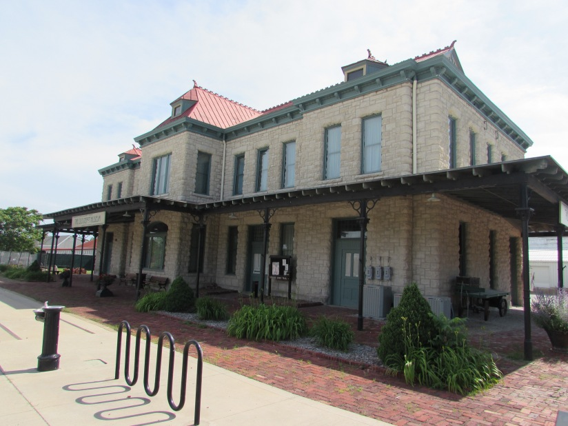 old-train-station-ottawa-kansas