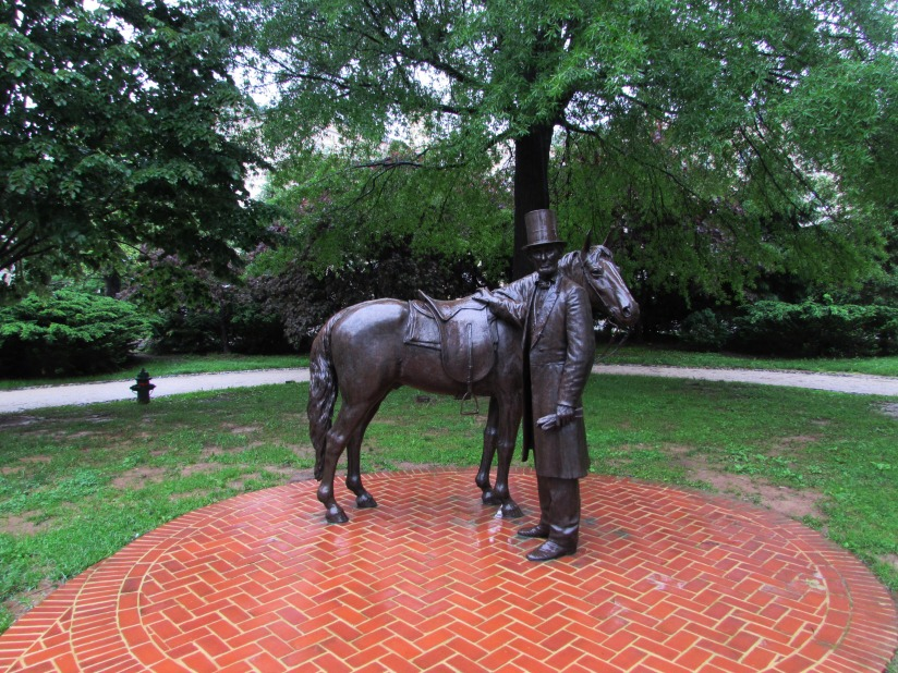 Statue of Abraham Lincoln and Horse Washington DC